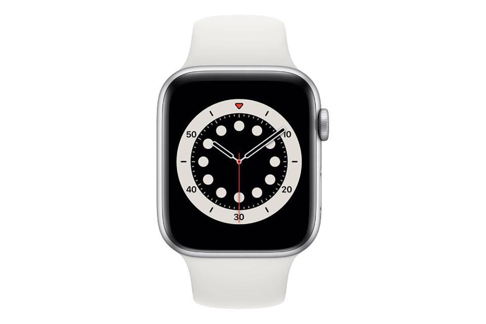 ساعت هوشمند اپل واچ سری ۶ آلومینیوم نقره ای با بند اسپرت سیلیکونی سفید 40 میلی متر